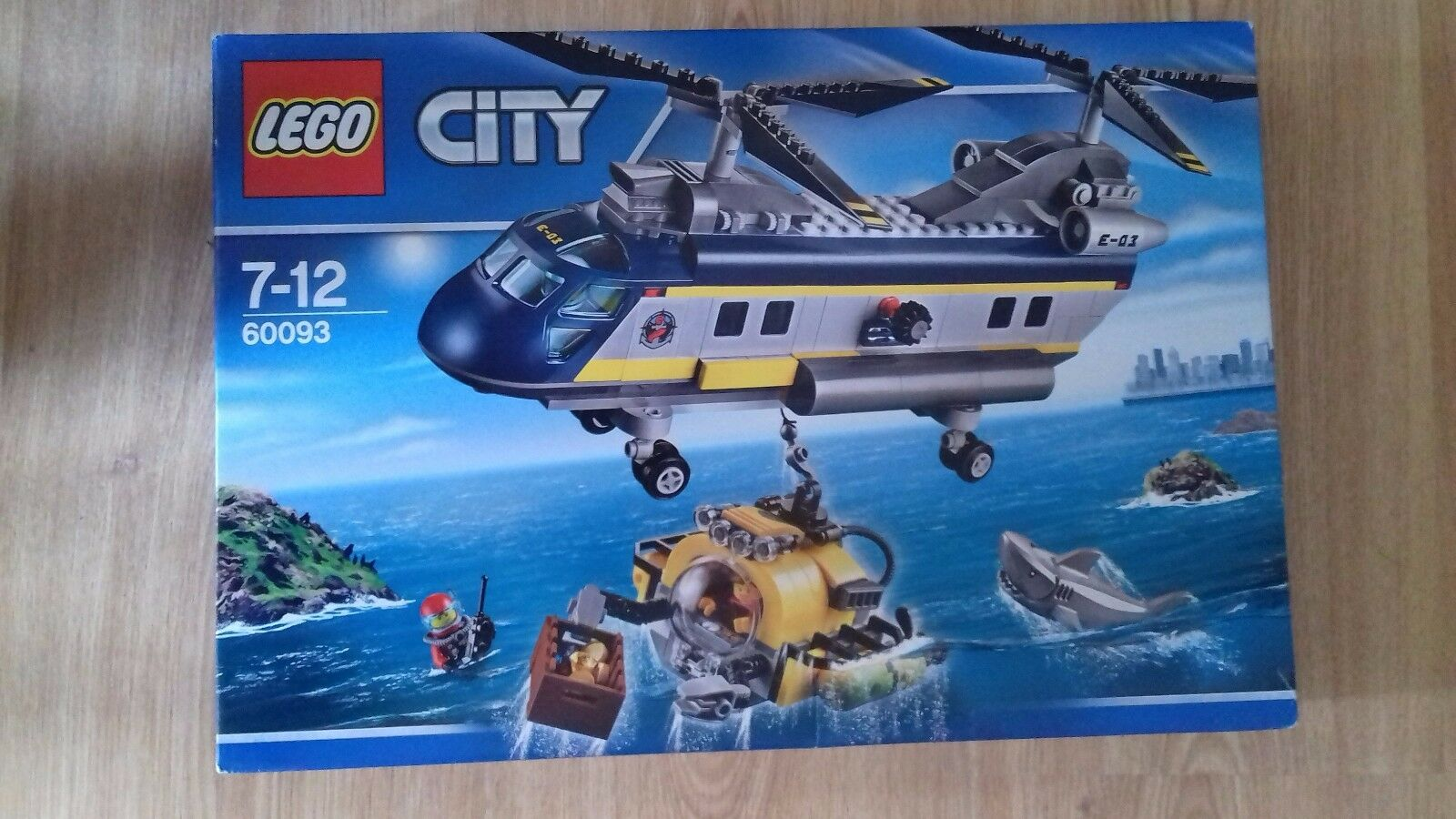LEGO CITY RETIRED SET 60093 DEEP SEA HELICOPTER BNIB TWIN redORS FIGURES SUBMARI