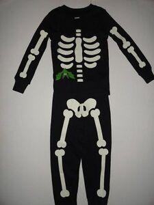 9c0c50a71718 NWT Gymboree 12-18 Halloween Skeleton Bat Gymmies Pajamas Glow in ...