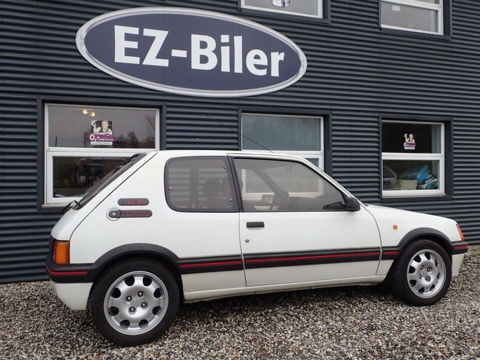 Peugeot 205 1,6 GTi Benzin modelår 1986 km 69000 Hvid ABS