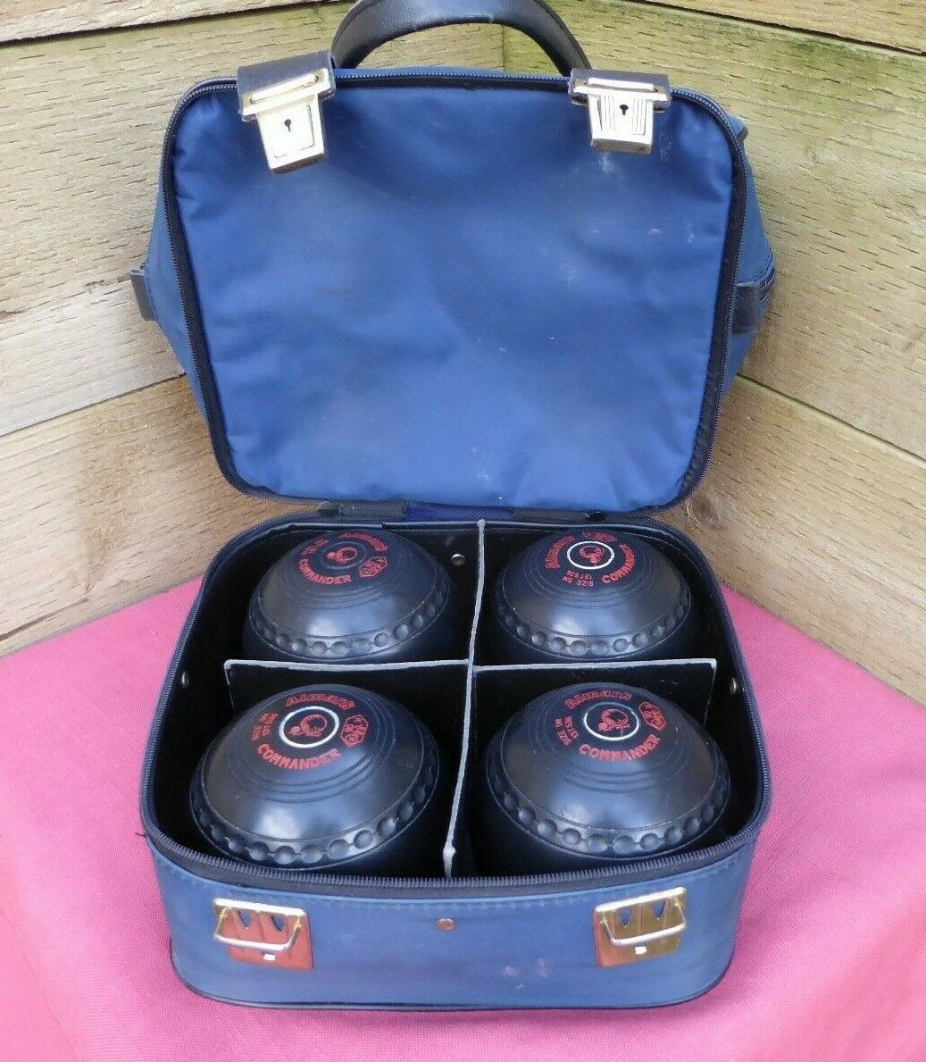 4 Almark Commander Bowls Size 5M Model 13T536 & Mitre Carry Case