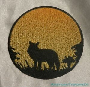 Embroidered-Wild-Coyote-Sunset-Silhouette-Ombre-Circle-Patch-Iron-On-Sew-On-USA