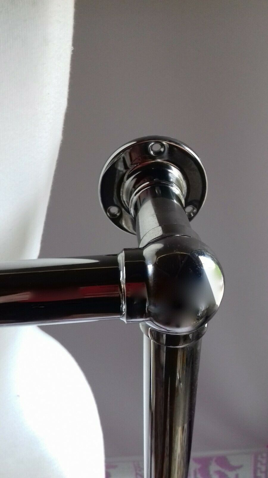RECLAIMED CHROME VOGUE WALL HUNG TOWEL RAIL WITH FREE TAPS, READY TO INSTALL