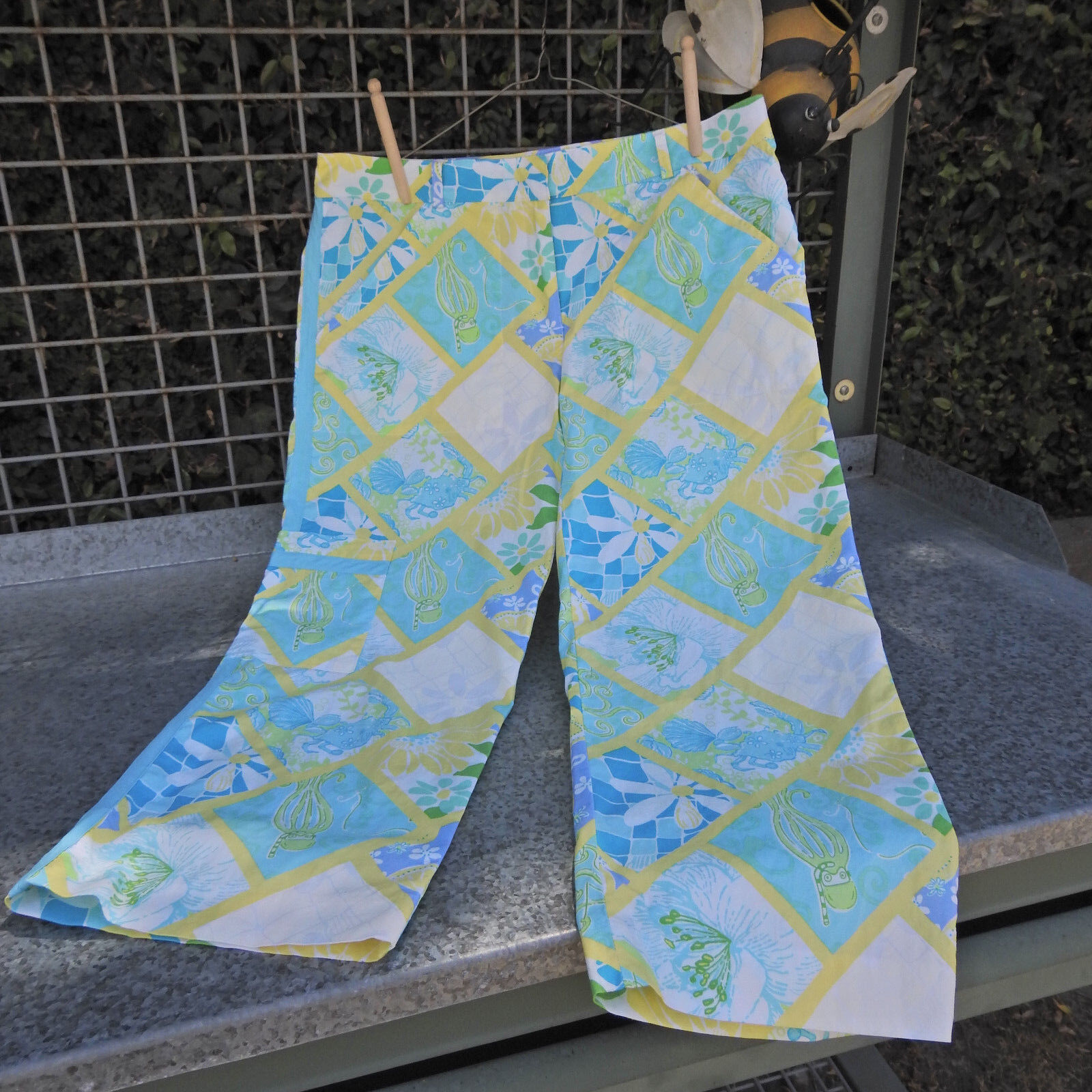Lilly Pulitzer bluee Yellow Sea Creature Pants Size 6