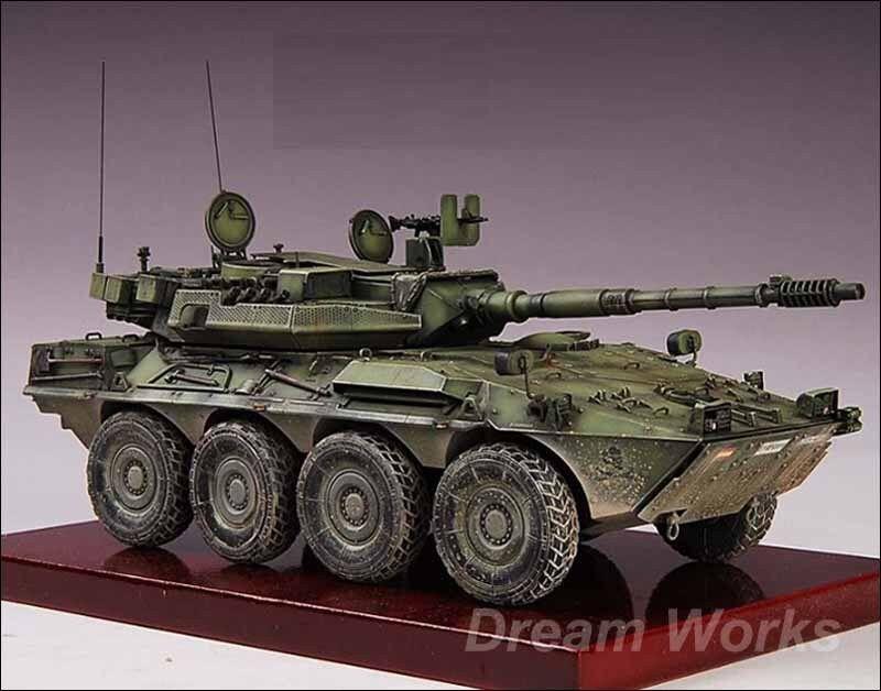 Prisvinnare av Built trumpetare 1 35 Centauro 8x8 Reconnaissance Antitank AFV PE