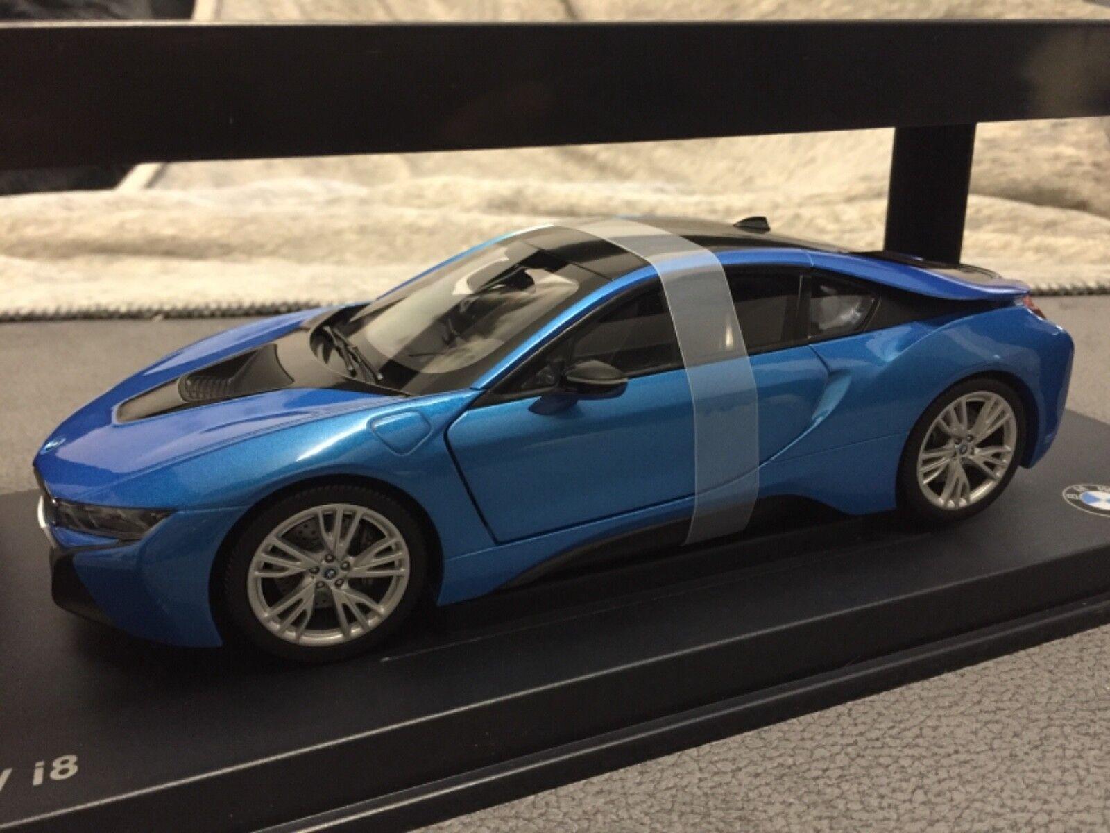 BMW i8 bleu 1 18
