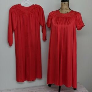 Vintage-Shadowline-Gown-Robe-Set-Womens-Size-Small-Petite-Red-Lace-Silky