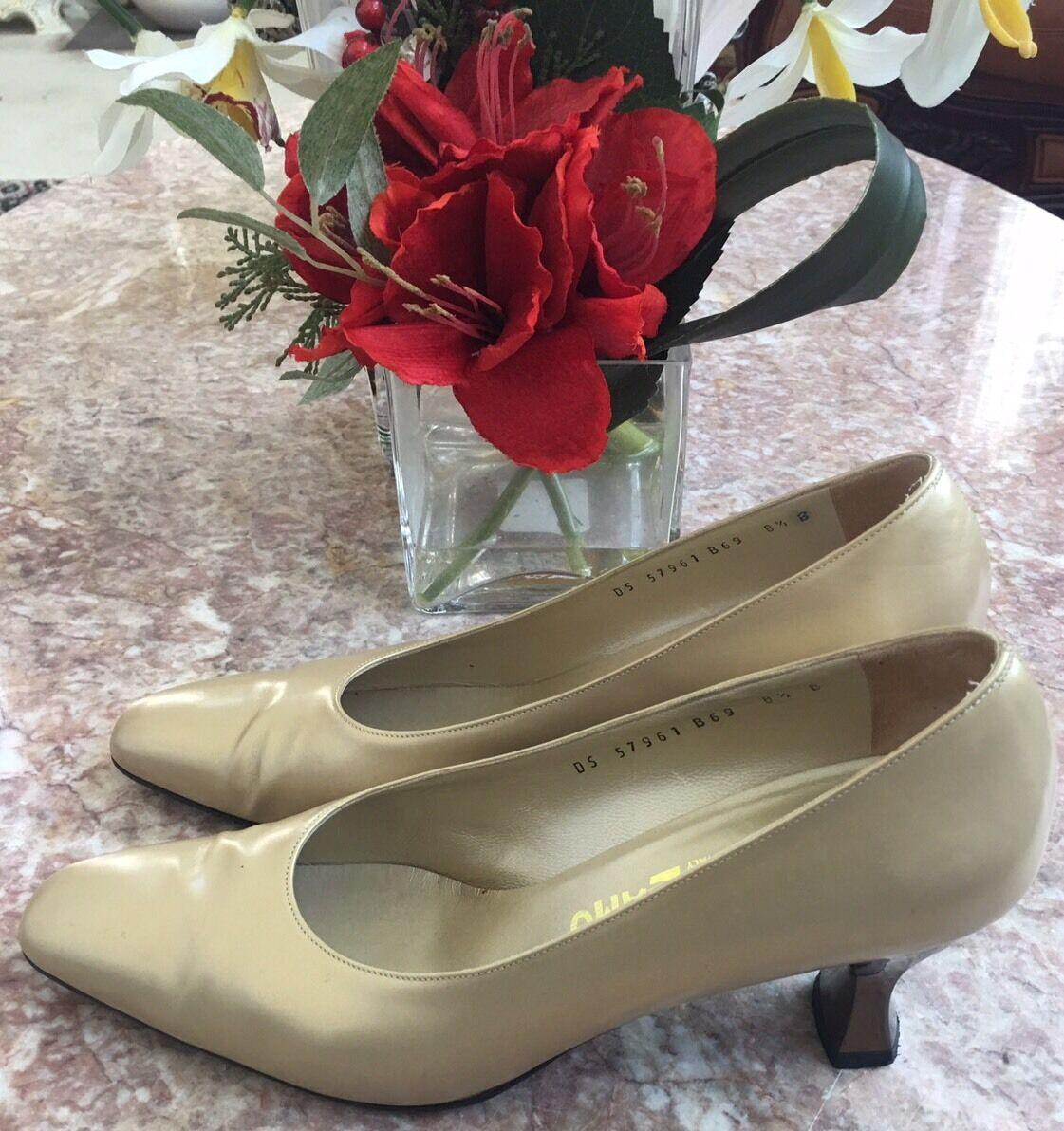 Salvatore Heels Ferragamo Beige Leder Gold Heels Salvatore Classic Pump Schuhes Sz 8 1/2 B, EUC 5fba66