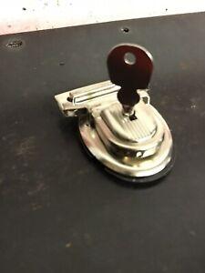 Vintage-Haley-Knucklehead-Flathead-Panhead-Windshield-Tool-Saddlebag-Key-Lock