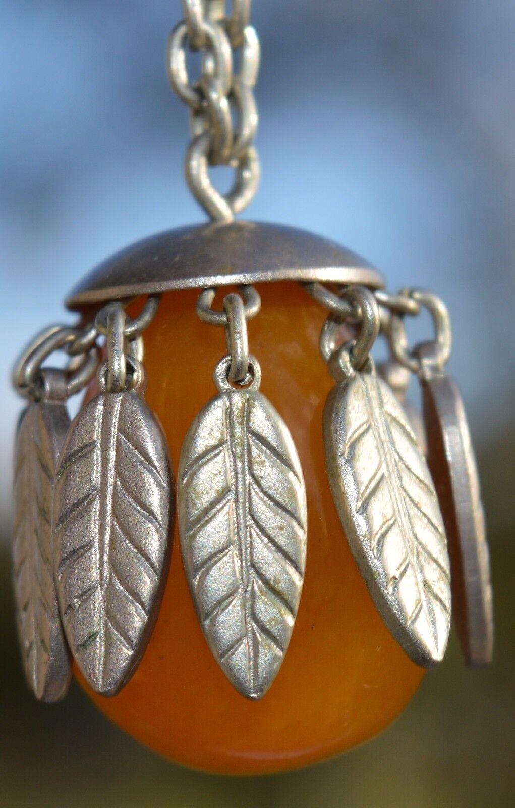 Vintage&Elegant, Butterscoth egg yolk amber pendant with chain 12,7 grams