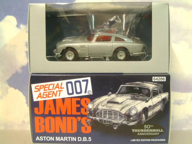 CORGI JAMES BOND 007 ASTON MARTIN DB5 THUNDERBALL 50e anniv. en argent cc04206