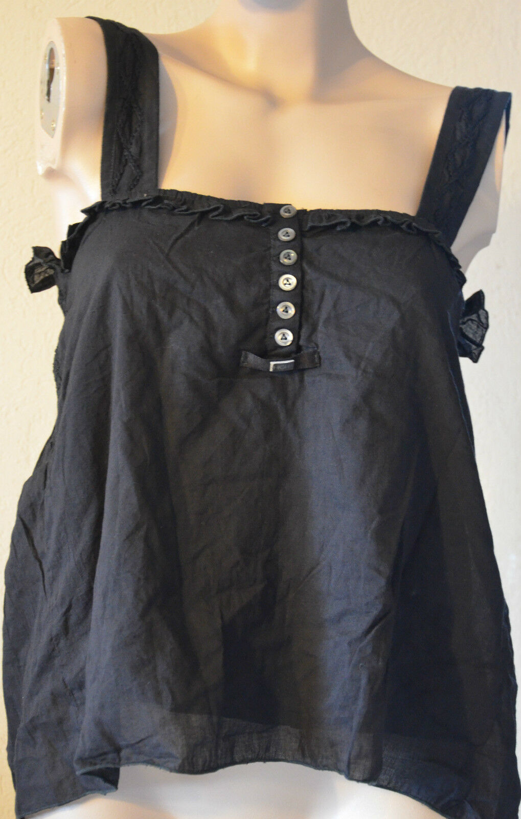 Joli top top top avec broderie black HIGH USE size 36  NEUF 42a636