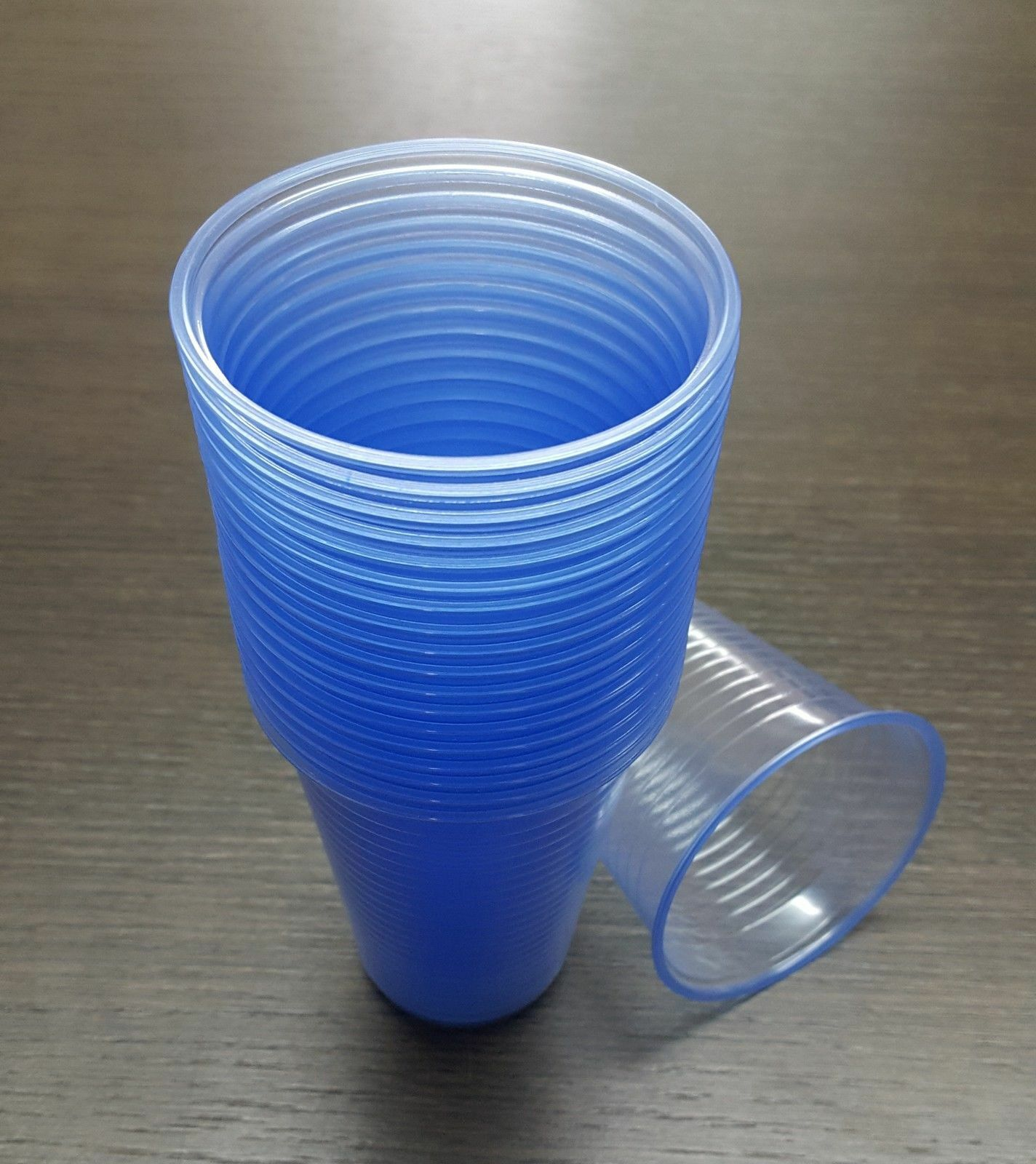 STRONG Blau PLASTIC CUPS TINT DISPOSABLE WATER VENDING 7 OZ NEW OFFER