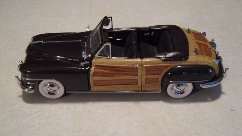 1 24 Danbury Mint 1948 Chrysler Town & Country Woody Converdeible Diecast Nice