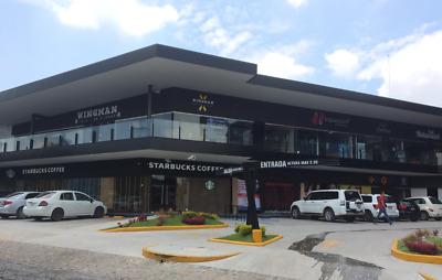 Local de 182 m2 con inquilino (Starbucks) en Plaza Ubika Milenio