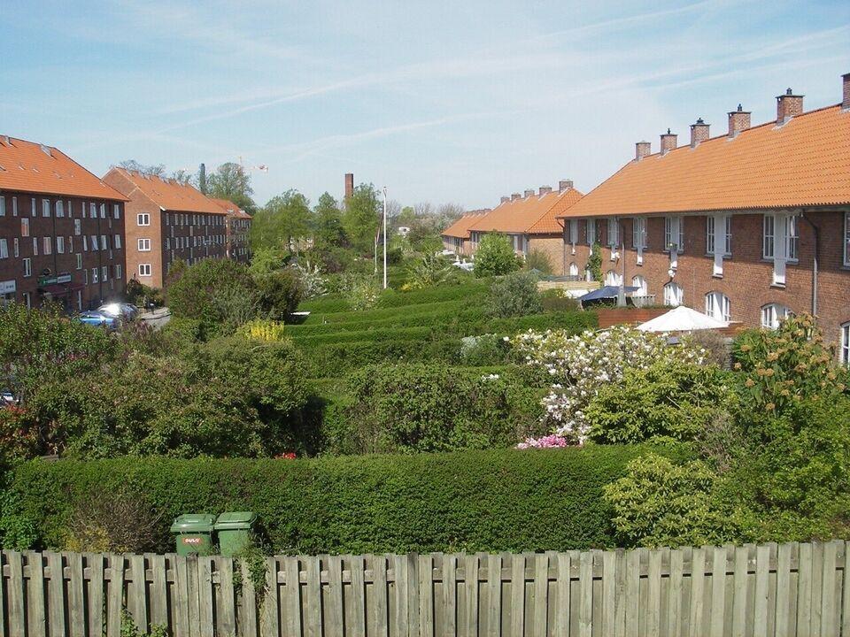 2820 6 vær. lejlighed, 94 m2 Rækkehus, A/C forbrug pr mdr