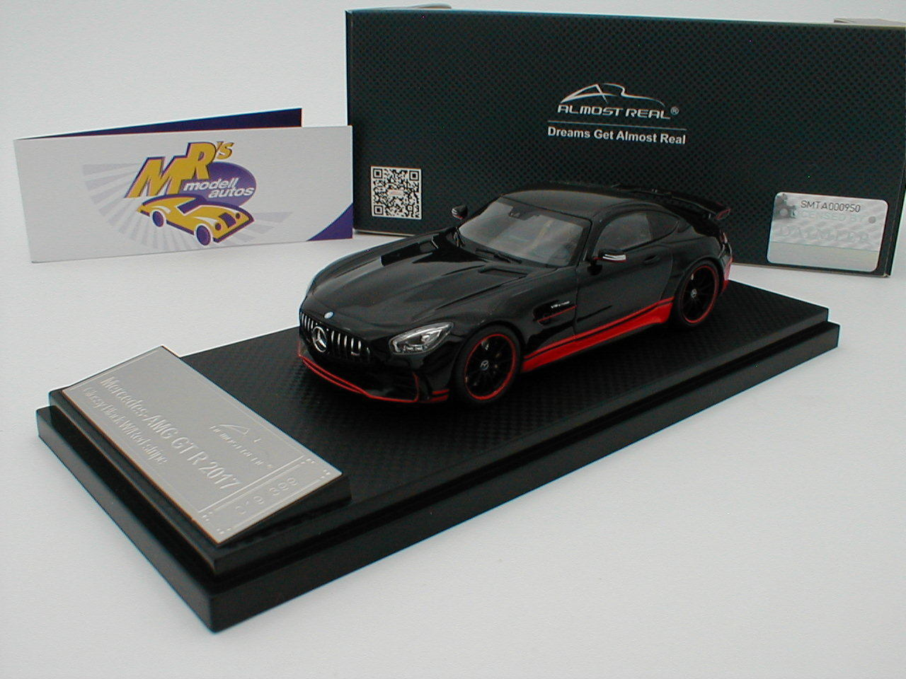 Almost Real 420709-Mercedes-Benz AMG GT R 2017  noir brillant  1 43 Nouveau
