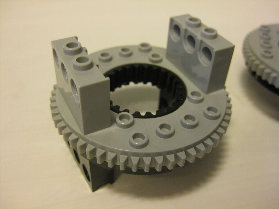 Lego Technic, Turntable large type 1 with Light Bluish Gray