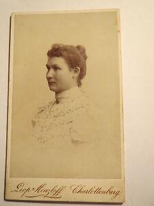 Charlottenburg-junge-Frau-Portrait-CDV