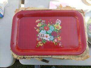 Vintage-Red-Metal-Bed-Lap-TV-Serving-Tray-Carnation-Floral