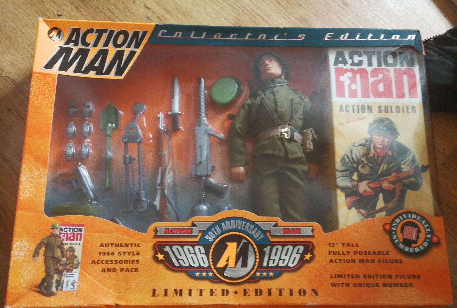 1996 ACTION MAN COLLECTORS EDITION NEW EX DISPLAY