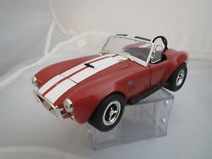 RAR-ERTL-American-Muscle-1966-Shelby-Cobra-427-in-rosso-striature-bianche-in-1-18-ovp