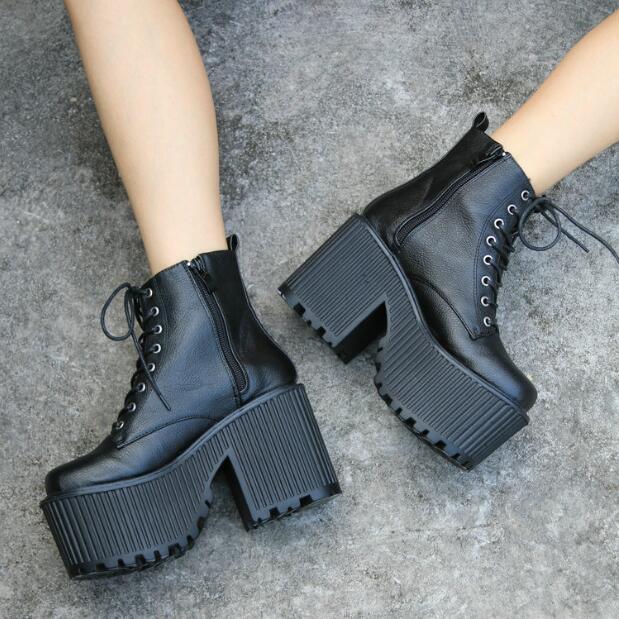 una marca di lusso Punk donna Platform Chunky High Heels Ankle stivali Lace Up Up Up Gothic scarpe Pumps  migliori prezzi e stili più freschi