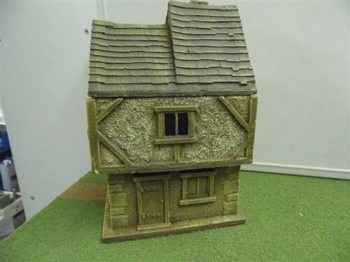 28MM PMC GAMES ME05 PAINTED TWO STOREY HOUSE SLATE ROOF MEDIEVAL ECW