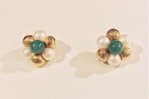 VINTAGE SIGNED VENDOME 1960s Jade Green Cabochon Faux Pearl Gold Bead Earrings