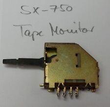 Tape Monitor Kippschalter eines Pioneer SX-750 Receiver