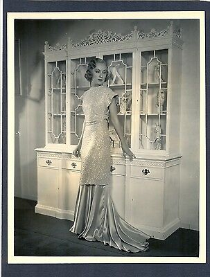 SUPERB FAY WRAY PORTRAIT - 1933 SAME YEAR SHE STARRED IN KING KONG - NEAR MINT