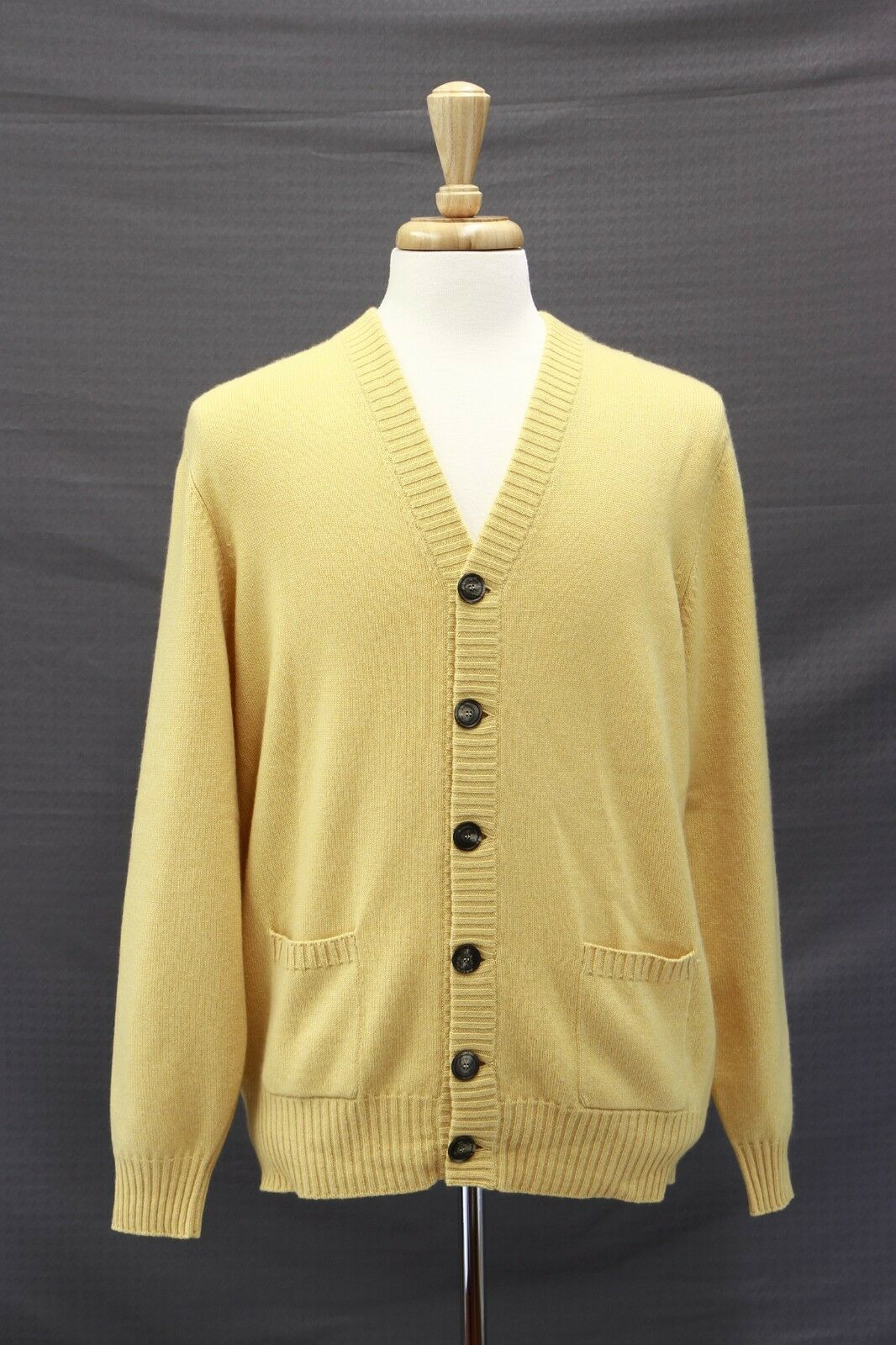 NWT2445 Brunello Cucinelli 100% Cashmere Knit Logo Button Cardigan 50/40US A181