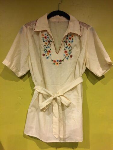 Mint perfect vintage Mexican blouse shirt top embr