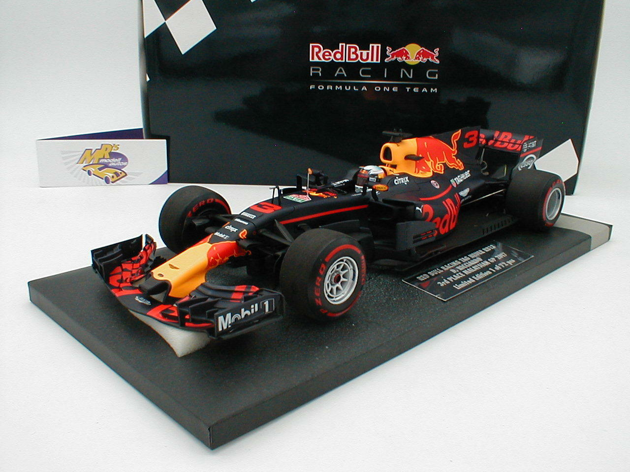 Minichamps 117171503 - rot Bull Racing RB13 Malaysia GP 2017   Ricciardo   1 18  | Billig ideal