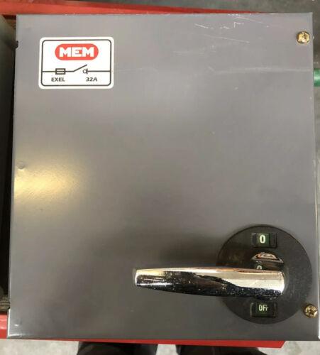 MEM EXEL 250V AC Isolator Disconnector Switch single Phase SPN 32 Amp HRC Fused