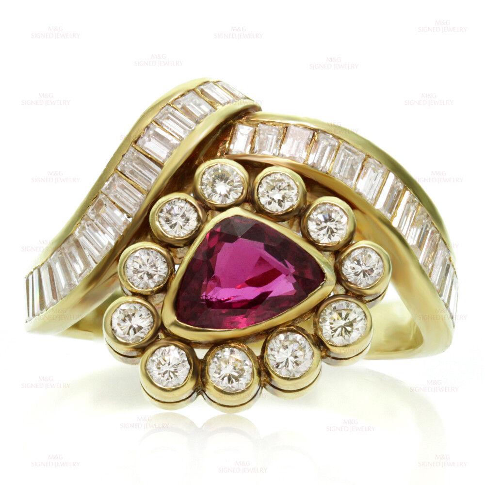 Estate 18k Yellow gold Diamond Ruby Triangle Ring