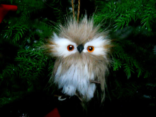 Plush Furry Feather Brown White /& Black Owl Branch Ornament