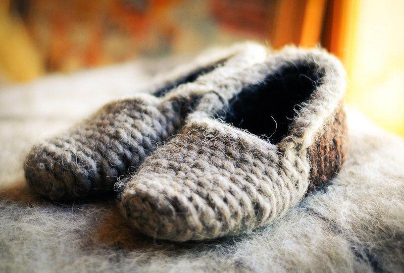 Pantoufles Femmes pour la maison laine de mouton fait main unique des propriétés curatives
