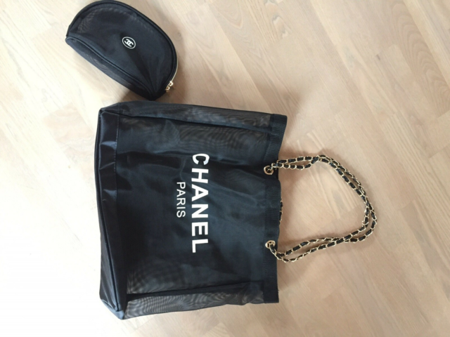 Skuldertaske, Chanel, nylon, Super flot shopper og makeup…