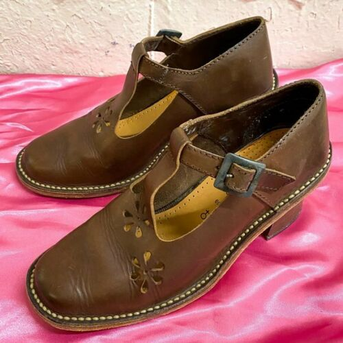 Vintage leather T strap chunky shoes with cut outs