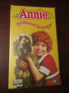 Annie-VHS-Video-Tape-NEW