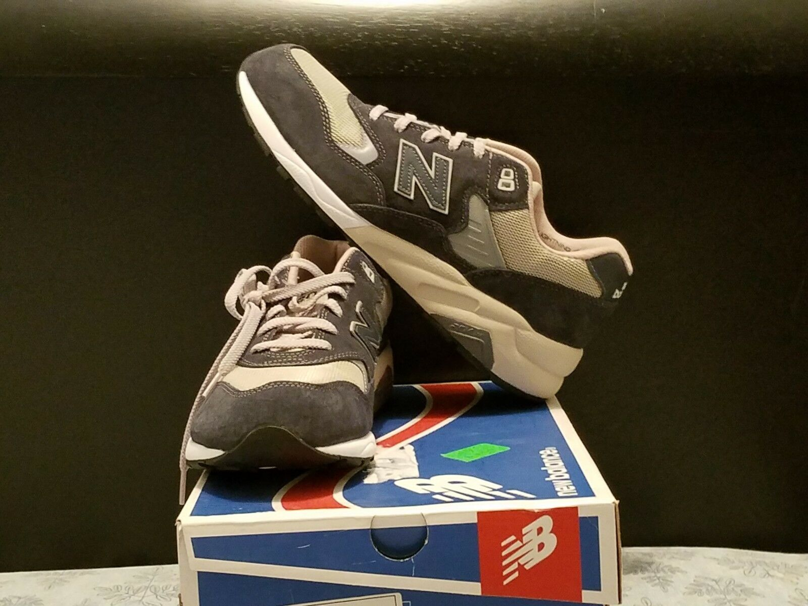 Mens new balance 580 shoes size 11 wide