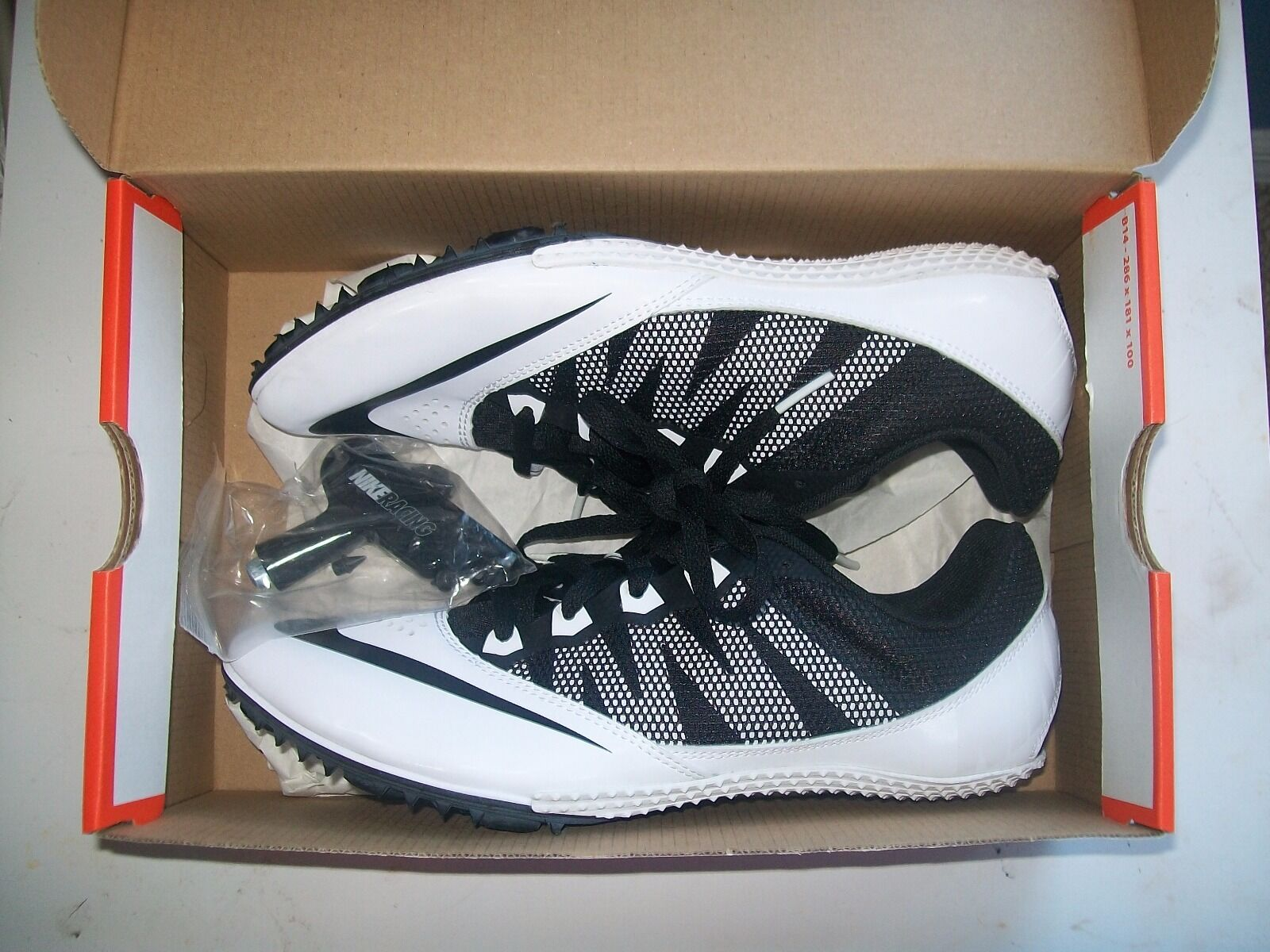 Women's Black/White Zoom Rival Spikes size 8.5