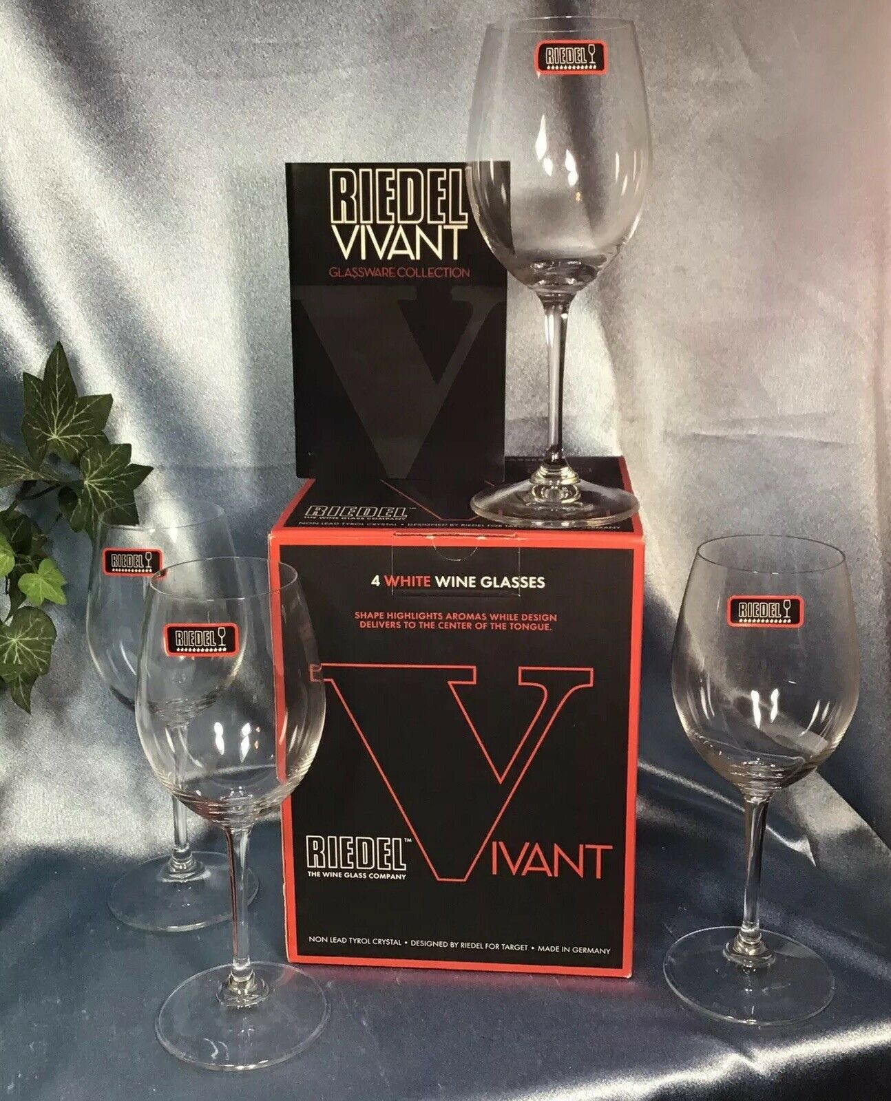 Set of 4 New Riedel Vivant White Wine Glasses: German Crystal 12 ounce. #3361