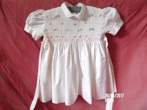 VINTAGE Charmant petite robe à Smocks 6/12 mois