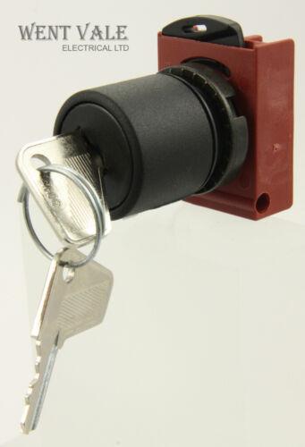 GE Cema P9XSCX0B95-185469 Panel Mounted 4 Position Key Selector Switch NIB