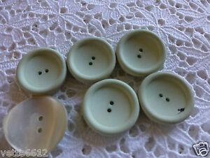 Lot-de-6-beaux-boutons-verdatres-dont-1-nacre-2cm-2cm-5