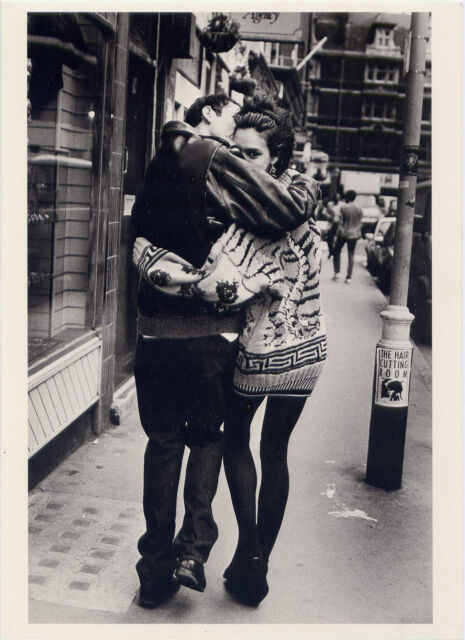 Couple•City Street•London England 1988•Photo Pamela Hanson•5x7 NOTECARD