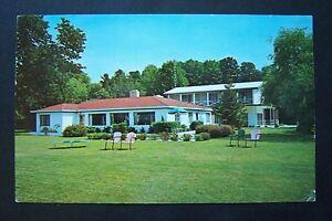 LAKESIDE-INN-RESORT-White-Lake-Whitehall-Michigan-vintage-postcard-1971