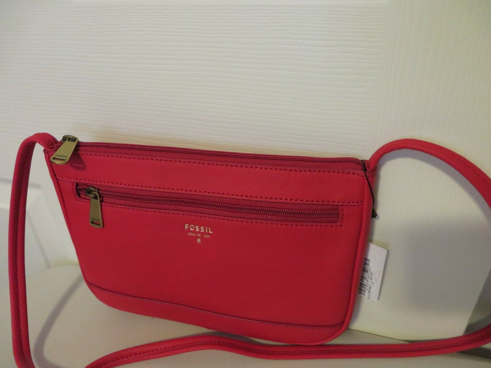 b53391e3f6 Fossil Real Red Leather Gift Mini Crossbody Messenger Bag Zb6682622 for  sale online