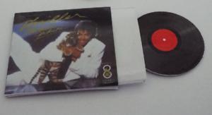 Mini  /'Michael Jackson THRILLER/' record album Dollhouse BARBIE KEN BLYTHE 1//6